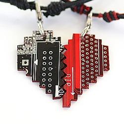 Парные подвески «Двоичный код сердца» | 800 руб.