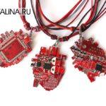 Кулон «Anatomic pixel heart» — «Анатомической пиксельное сердце»