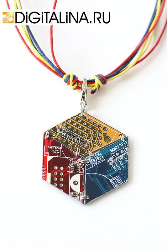 Кулон «illusory cube»