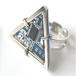 Кольцо «Trinity S»