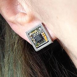 Квадратные серьги-гвоздики из микросхем | 1000 руб.