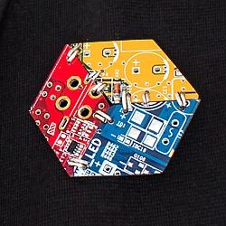 Кубо-брошь «Illusory Cube» | 700 руб.